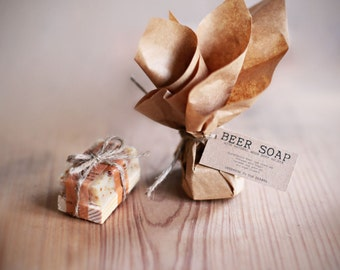 Mini BEER Soap  FAVORS w/ wooden soap dish Gift Set -  Set of 6-  Rustic Wedding favors,  personalized gift, stocking stuffer, man gift