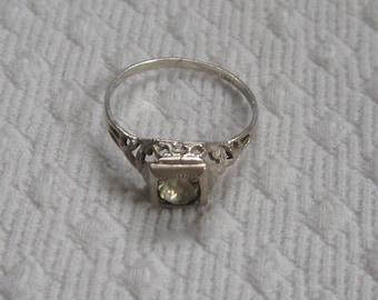Art Deco ring . art deco sterling ring . Sterling Ring . sterling filigree ring . faux diamond ring
