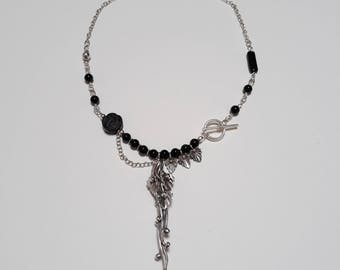 Black onyx with sterling silver leaves necklace.