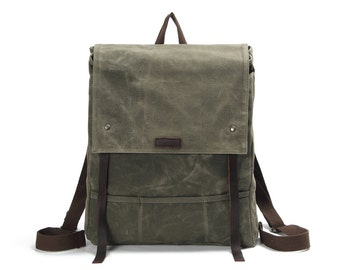 Flap-top waxed Canvas backpack with leather straps (Faded Olive)