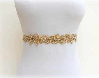 Gold floral lace belt. Elastic waist belt. Embroidered belt. Beaded belt. Gold belt. Bridal blet. Wedding dress belt. Gold lace flowers sash