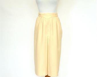 20% OFF SALE 70's Vintage Ivory Skirt, Fall Skirt, Off-White Wool Skirt, Knee Length Skirt
