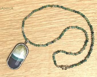 Short Necklace Green EYE semi-precious/piedras/mossy agate/grey agate Pendant-green-white & shiny/elegant Casual chic Boho