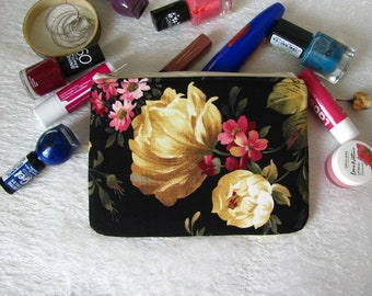 Zippered pouch with flowers, makeup bag, phone case, purse