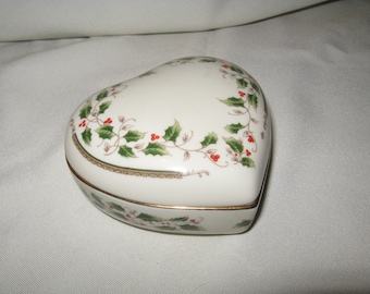Vintage Holly Holiday Heart Shaped Trinket Box by Royal Limited