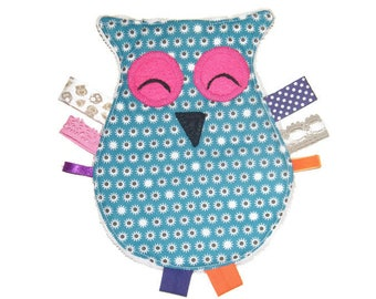 laughing OWL flat plush / fish with tags