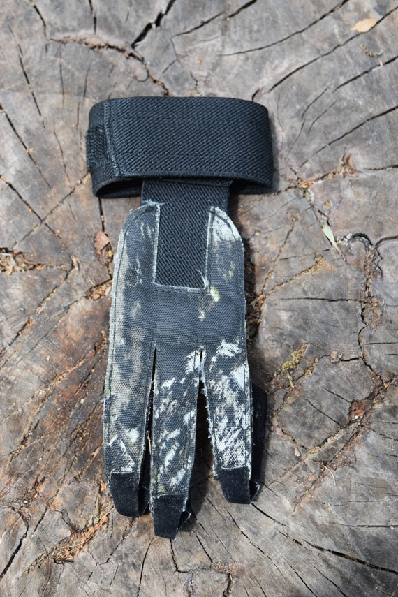 Archery shooting glove, archery glove, small shooting glove