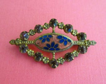 Art Deco Pin with Flower Motif and Rhinestones