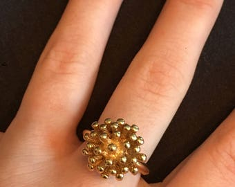 """AVON """"Sunflair"""" Gold Tone Ring 1970s"""