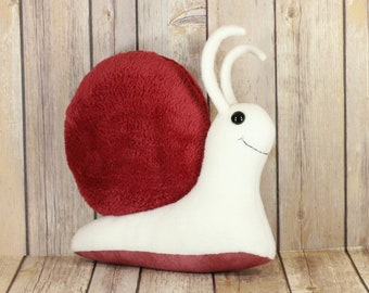 Red Fluffy Snail Stuffed Toy, Snail Plush Toys, Snail Mail Plushie, Garden Slug Bug Soft Toy, Cute Kawaii Mollusk, Unisex Baby Shower Gift