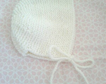 Baby bonnet in wool (choice of color)