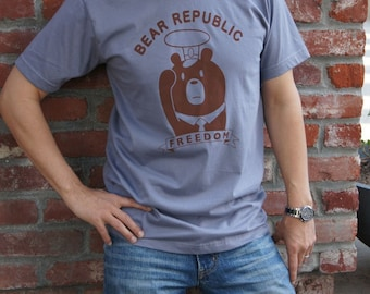 Propaganda Poster Bear -  Bear Republic T-shirt Unisex size Available in XS, S , M
