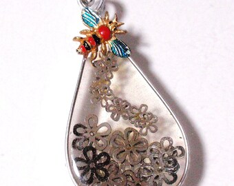 Daisies and a Rainbow Bee Large See Through Geometric Tear Drop Pendant Vintage Assemblage and Resin Ornament Sun Catcher Acrylics D3