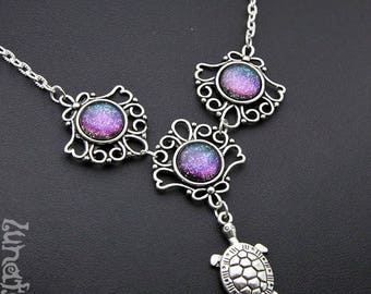 Turtle Necklace Galaxy Collier round handmade fashion jewelry shimmering small petit purple green blue holographic Space Star