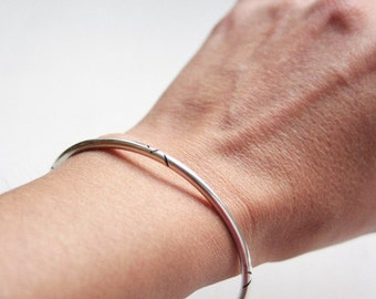 TO ORDER Round bangle - Sterling silver
