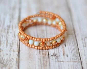Memory wire bracelet - Birthday Gift for her - Adjustable bracelet - Beaded bracelet - Peach bracelet - Coral bracelet - Crystal bracelet