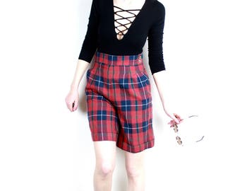 French Vintage 70's Red Plaid Bermuda Shorts / High Waisted Culottes Wool Tartan Checkered Pendleton Golf shorts 1970s / Size XS