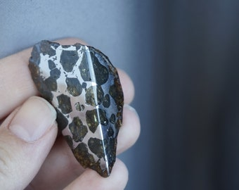 Seymchan Meteorite Pallasite with Olivine,  Collectors Piece, meteorite for sale, Rare Specimen Meteorite Pallasite, meteorite pallasite