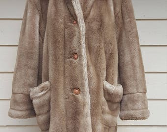 Vintage 1960's Faux Fur Vegan Coat - L