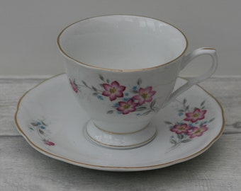 Pink Flower Teacup and Saucer. Vintage 1970s cup and saucer. Home decor.