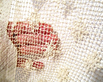 Quaker Lace Tablecloth Rectangular table Vintage Linens Handmade lace