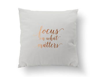 Focus On What Matters Pillow, Typography Pillow, Home Decor, Gold Cushion Cover, Throw Pillow, Bedroom Decor, Bed Pillow, Gold Pillow,
