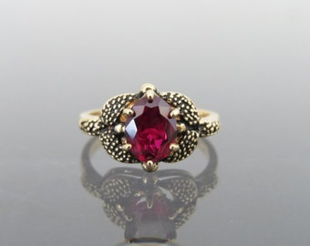 Vintage 10K Solid Yellow Gold 1.21ct Genuine Ruby Ring Size 6