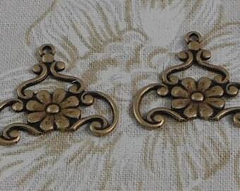 LuxeOrnaments Oxidized Brass Filigree Floral Pendant (2 pcs) 20x19mm G-07326-B