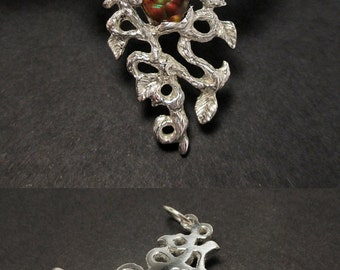 Floral pendant - Vines and leaves - Fire agate - Sterling silver - One of a kind