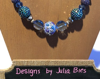 Chunky necklace in shades of periwinkle, purple and blue
