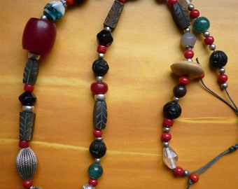Necklace glass wood Horn