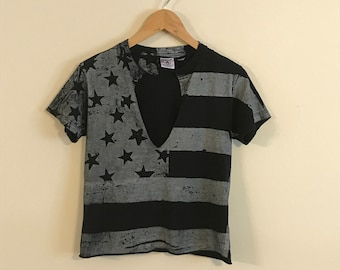 Vintage Black Flag Crop T-shirt