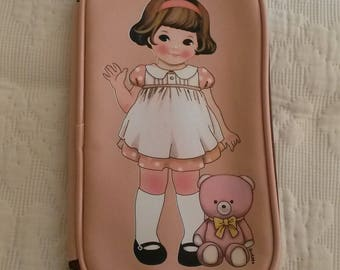 Salmon vintage pink sewing case / little girl from the 50s