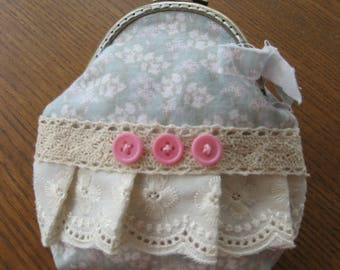 Victorian style clasp purse