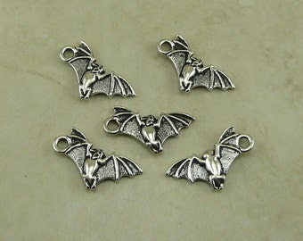 5 TierraCast Vampire Bat Charms > Halloween Dracula Trick or Treat - Silver Plated Lead Free Pewter - I ship Internationally 2380