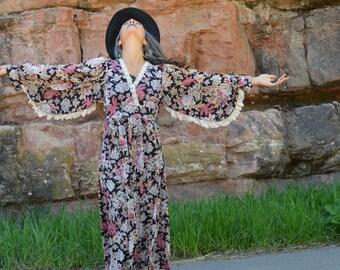 Vintage 70s Floral Angel Sleeve Lace Hippie Boho Maxi Dress