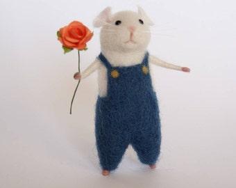 Needle felted mouse Felted animal White mouse Needle felt animal Miniature Birthday gift Home decor