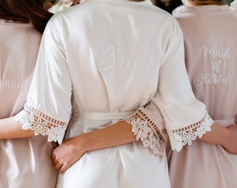 Lace Bridal Robe / Bridesmaid Robes / Robe / Bridal Robe / Bride Robe / Embroidered Robe / Bridesmaid Gifts / Monogram Satin Robe /