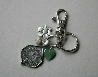 Antiqued Silver Sunflower Key Chain, Charm Key Ring, Sunflower Key Ring, Antique Pewter Key Ring, Key Holder, Purse Charms, Purse Key Ring
