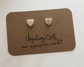 Ceramic heart stud earrings - Small - White Speckle