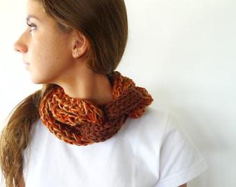 Bufanda collar multicolor. Bufanda circular. Bufandas de lana originales. Bufandas tejidas a mano. Cuellos tejidos modernos