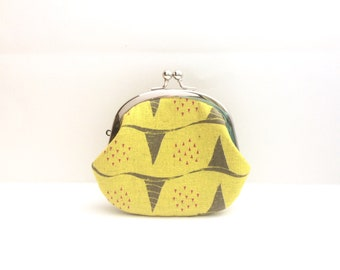 Coin Purse- Change pouch- Kiss Lock Coin Case- Corn