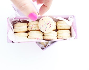Macarons, French Macarons, Dessert Ideas, Gift Ideas, Pretty Macarons, Pretty Dessert, Sweet Treats, Party Favors, Macaroons, Cookies