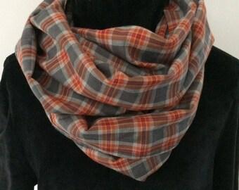 Mixed tube brushed fabric scarf.