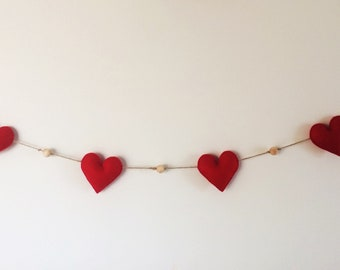 Hearts and wood beads Garland.