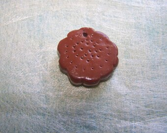 biscuit chocolate vanilla round flower shape