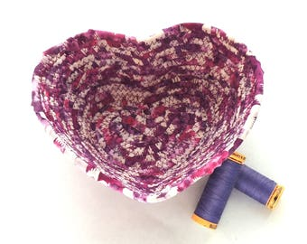 Small Purple and White Heart Bowl// Handmade Coiled Fabric Basket Valentine's Day Candy Dish Holiday Decor Pantone Color of the Year