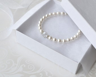 White Pearl Bridal Bracelet, Pearl and Crystal Bracelet, Simple Pearl Bracelet, Pearl Wedding Jewelry, Bridesmaid Gift, Swarovski Pearl