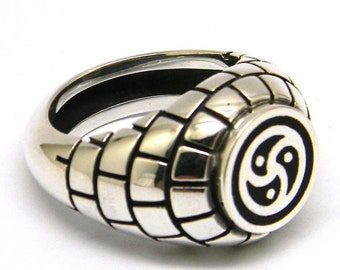 Celtic triskelion silver enameled signet ring,galician,irish triskele,triskele jewelry,french triskelion,welsh triskel,trinity ring
