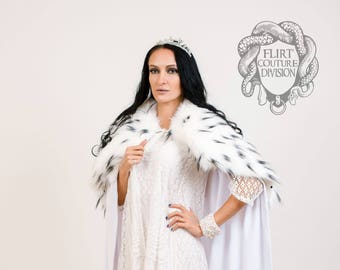 Queen White and Black Faux Fur Collar, Cape Collar, Fur Collar, dolmatinec print